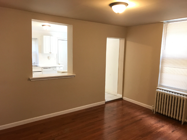 657 N 37th Mantua Dining Room