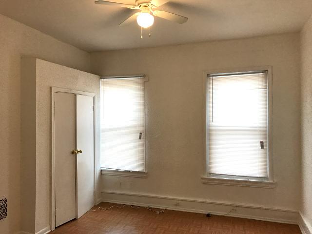 Temple University 1816 N Gratz Bedroom 3 2 1