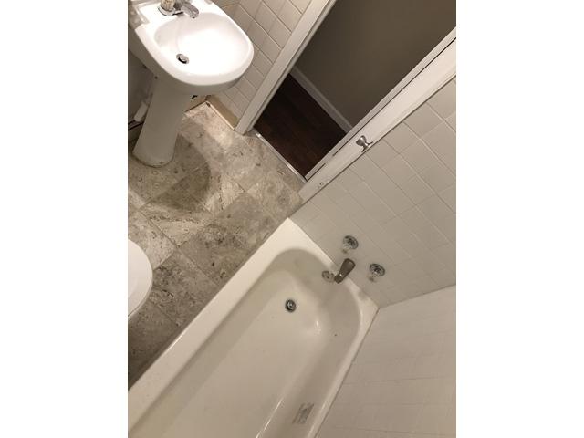 1909 E Boston Bathroom