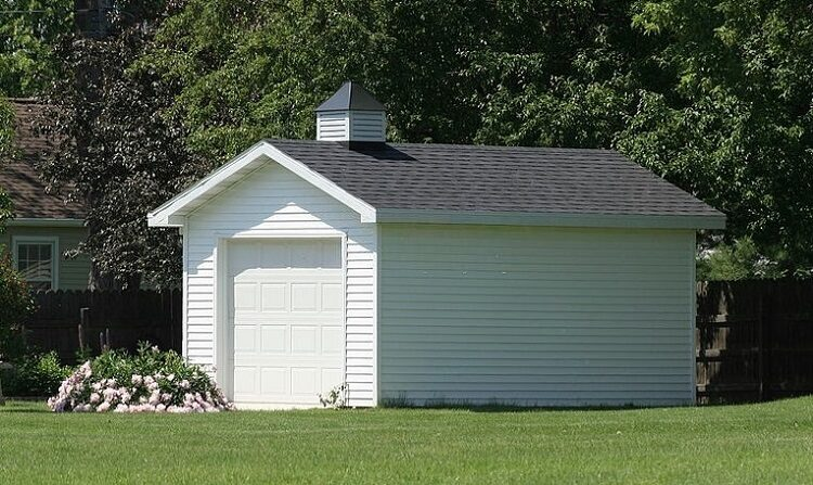 franklininvestmentrealty.comWhat to Consider When Considering a Detached Garage 750x447